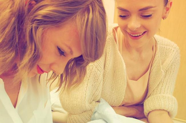 Taylor Swift con l'amica Jaime King