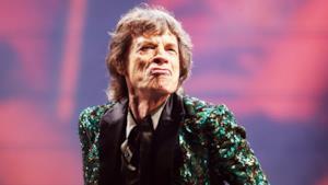 Mick Jagger fa una smorfia