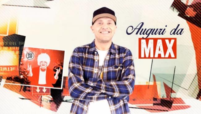 Max Pezzali nel video di Natale con Deejay
