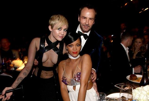 Miley Cyrus, Rihanna e Tom Ford agli amfAR Awards 2014