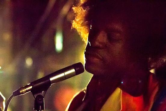 Andre 3000 nei panni di Jimi Hendrix