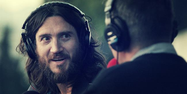 John Frusciante rilancia la sua carriera solista con un nuovo progetto incentrato sulla musica house