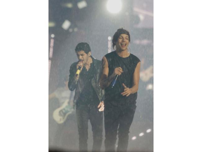 Zayn Malik e Louis Tomlinson al concerto di Torino dei One Direction