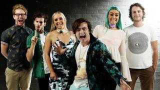 I sei membri della band australiana Sheppard