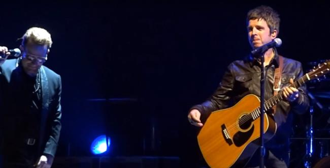 Noel insieme agli U2 sul palco di Londra