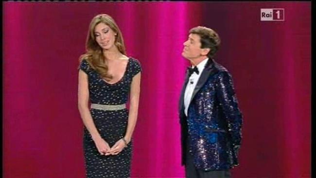 Elisabetta Canalis Belen Rodriguez seconda serata festival Sanremo 2011 - 1
