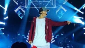 Justin Bieber sul palco di X Factor Italia a ottobre 2015