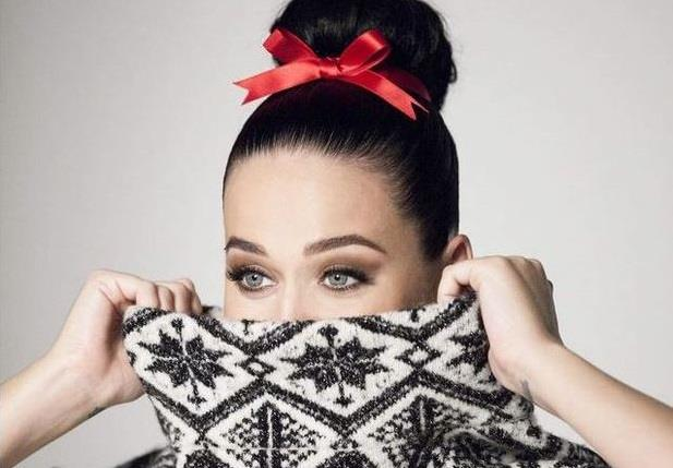 Katy Perry in foto per la campagna H&M Natale 2015