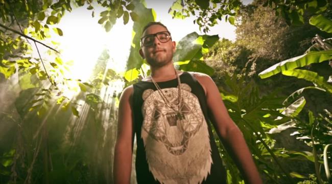 Rocco Hunt nel video ufficiale di Vene e vvà