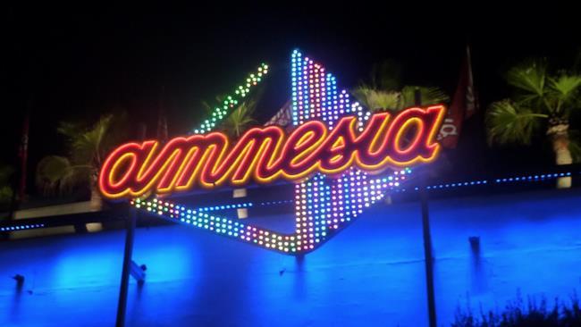 L'esterno della discoteca Amnesia, di Ibiza