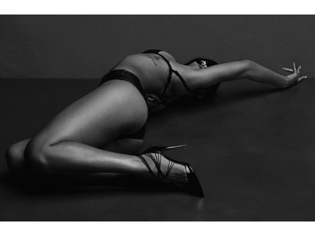 Rihanna con bikini e tacchi