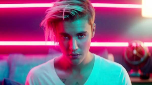 Justin Bieber nel video di What Do You Mean, primo singolo da Purpose