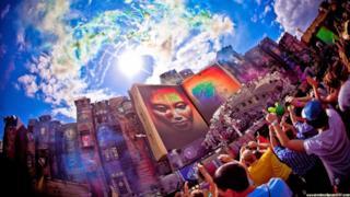 Tomorrowland, grandangolo dello stage