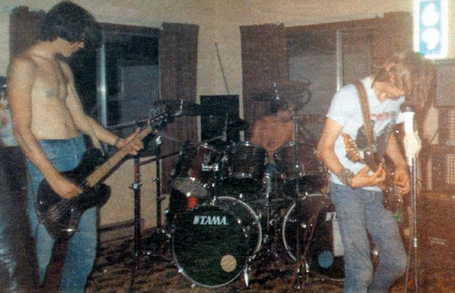 Foto del primo concerto dei Nirvana nel 1987