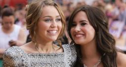 Demi Lovato e Miley Cyrus da piccole