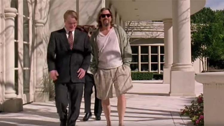 Jeff Bridges che interpreta Drugo in una scena del film Il grande Lebowski