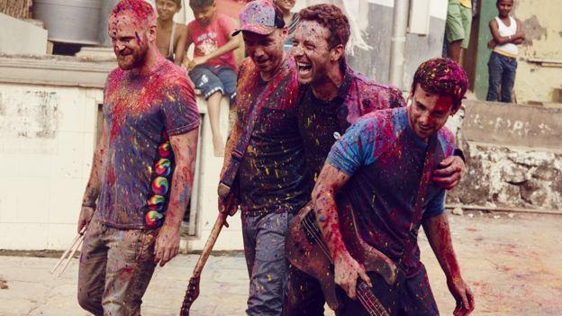 I Coldplay in India per il festival Holi