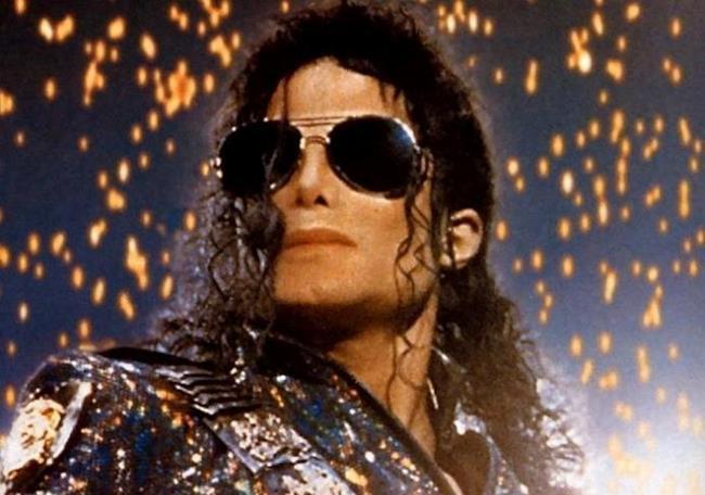 Michael Jackson con occhiali da sole