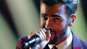 The Voice of Italy live tra Marco Mengoni composto e Bennato scatenato