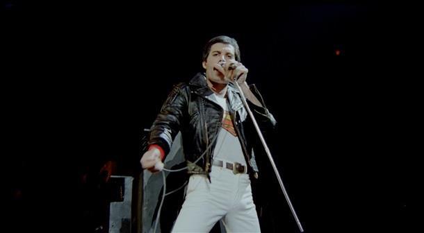 Freddie Mercury durante il Queen Rock Montreal