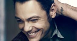 Tiziano Ferro sorriso