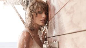 Taylor, doccia bollente per GQ