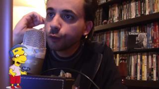Alberto Pagnotta interpreta Milhouse dei Simpson cantando La nuova stella di Broadway di Cremonini