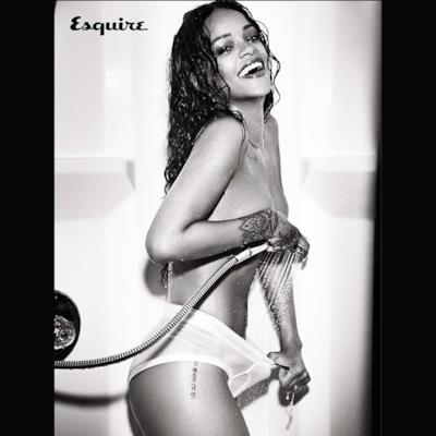 Rihanna su Esquire con il getto della doccia