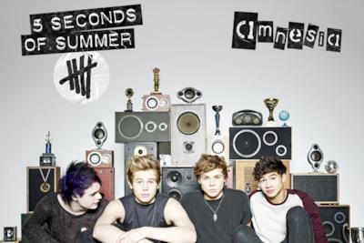 La copertina di Amnesia dei 5 seconds of summer