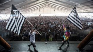 Flosstradamus on stage