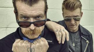 Jesse Hughes e Josh Homme degli Eagles of Death Metal