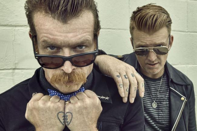 Jesse Hughes e Josh Homme degli Eagles of Death Metal