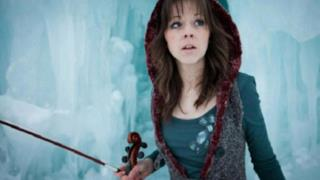 Lindsey Stirling: la violinista hip hop che suona la dubstep [VIDEO]