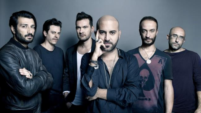 I 6 componenti della band salentina Negramaro