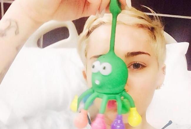 Miley Cyrus sul palco del Bangerz tour