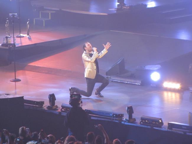 Un'immagine del palco di Casalecchio durante il Più Che Logico Tour