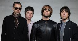 Noel e Liam Gallagher e gli Oasis