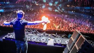 Una esibizione di Martin Garrix, il giovanissimo DJ olandese