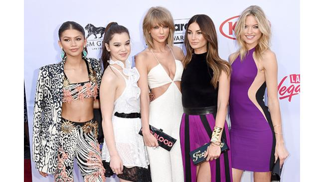 Taylor Swift e le sue amiche ai Billboard Music Awards 2015