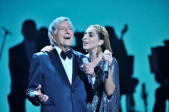 Tony Bennett sul palco insieme a Lady Gaga