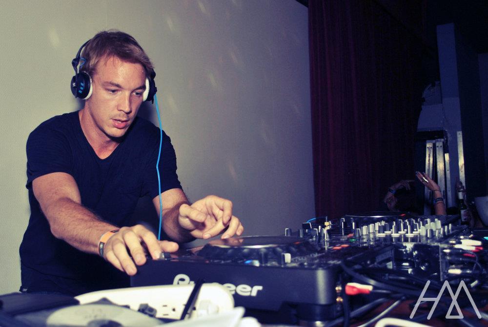 Il DJ e produttore americano è al lavoro con DJ Snake, Skrillex e Bro Safari