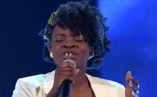 La cantante bresciana Esther Oluloro