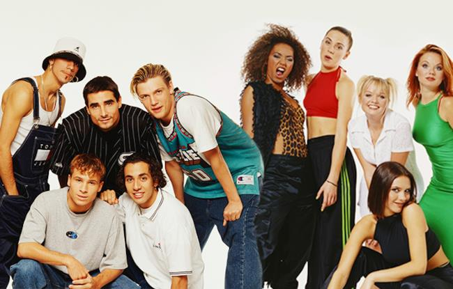 Le Spice Girls insieme ai Backstreet Boys.
