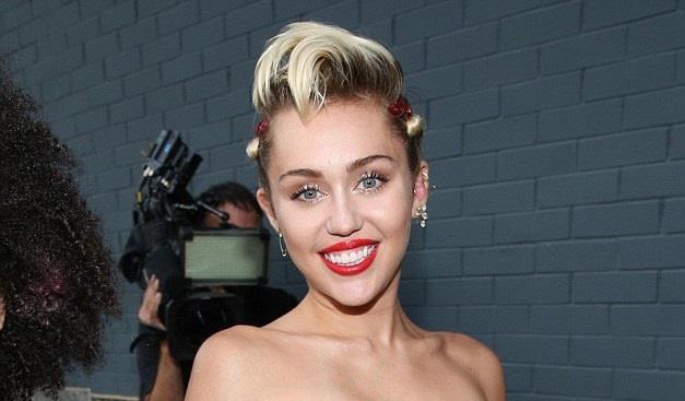 Miley Cyrus amfAR Gala giugno 2015