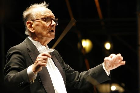 Ennio Morricone dirige l'Orchestra