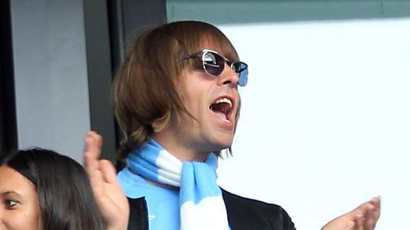 Liam Gallagher tifa Manchester City