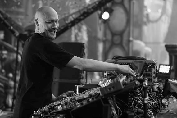 Paul Kalkbranner sul mainstage del Tomorrowland