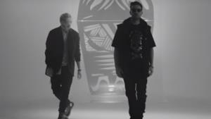 I Two Fingerz con Lorenzo fragola nel video ufficiale di Matriosca
