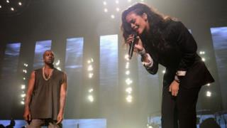 Kanye West e Rihanna insieme sul palco
