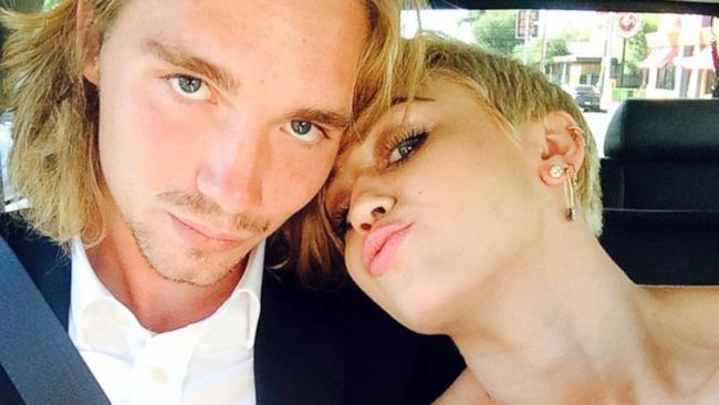 Miley Cyrus con il senzatetto Jesse Helt